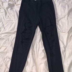 Multiple holes black legging